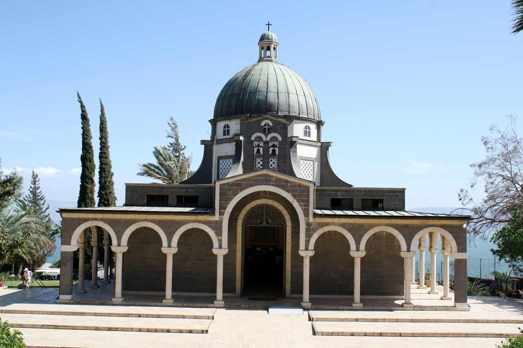 Hitchhiking Israel solo, Mount of Beatitudes Catholic chapel