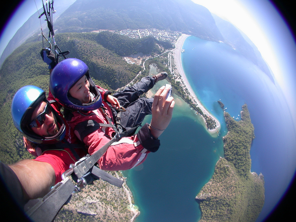 Turkish beach towns, Oludeniz beach paragliding