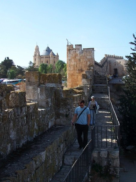 things to do in Jerusalem, Ramparts walk